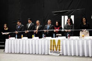 Corte del listón para inaugurar simbólicamente la edición de enero de Intermoda